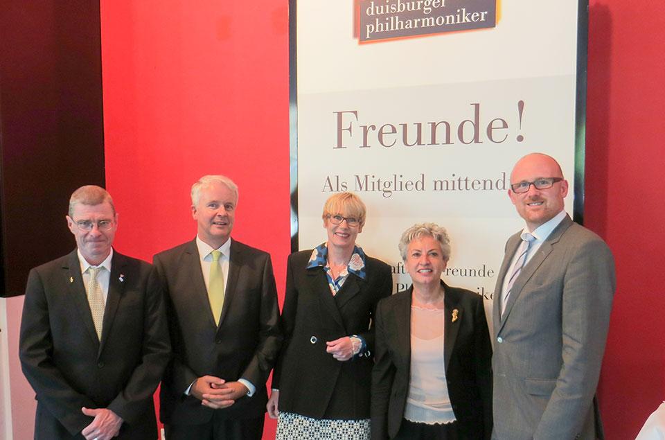 OB Link, Kulturdezernent Krützberg und der Vorstand bei der Jubiläumsfeier