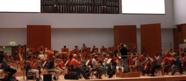 Musiker bei Akustikprobe begeistert