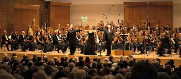 Presse-Stimmen zum 1. Philharmonischen Konzert
