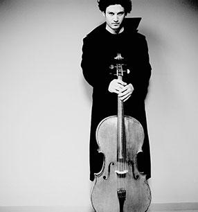 Nicolas Altstaedt Violoncello Foto: Marco Borggreve