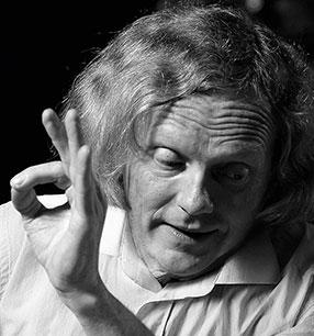 Konrad Junghänel Dirigent Foto: Stefan Schweiger