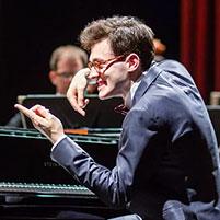 Aris Alexander Blettenberg, Dirigent und Klavier