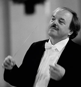 Bruno Weil Dirigent Foto: Michael Schilhansl
