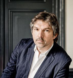 Thomas E. Bauer Bariton · Foto: Marco Borggreve