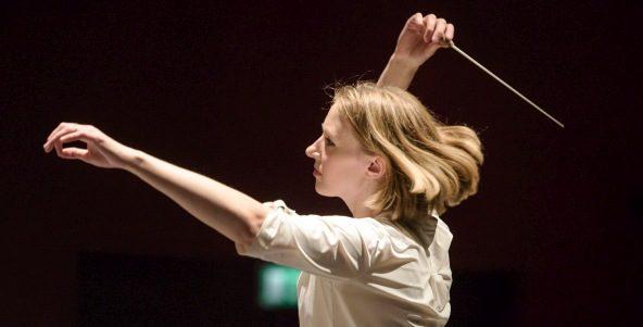 """""""Philharmoniker feiern ein feuriges Orchesterfest"""""""