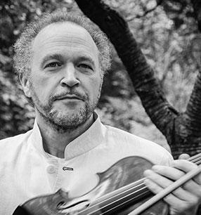 8. Philharmonisches Konzert 2018/19 · Kolja Blacher Violine und Leitung · Foto: Bernd Buehmann