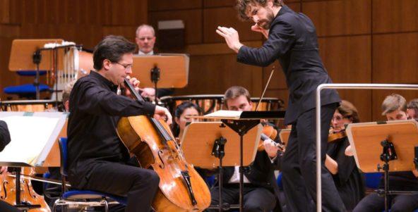 Großer Erfolg für Star-Cellist Christian Poltéra im 6. Philharmonischen Konzert