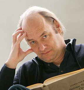 Jan Willem de Vriend Dirigent · Foto: Marco Borggreve