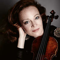 Carolin Widmann · Violine