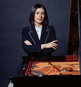 Mariam Batsashvili Klavier · Foto: Josef Fischnaller
