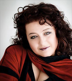 Elena Batoukova-Kerl Mezzosopran Foto: Beate Kazimirowicz