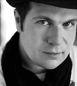Stefan Solyom DirigentFoto: Tony Briggs