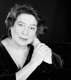 Elisabeth Leonskaja KlavierFoto: Julia Wesley